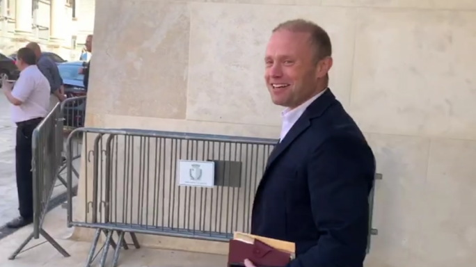 [WATCH] Joseph Muscat working gratis on COVID-19 recovery plan
