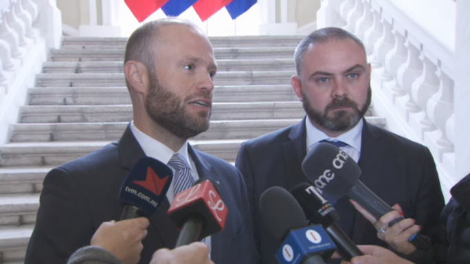 Joseph Muscat addressed the press on his way to Castille