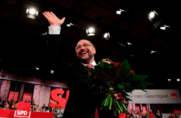 Martin Schulz secured all 605 votes at a special party conference in Berlin on Sunday