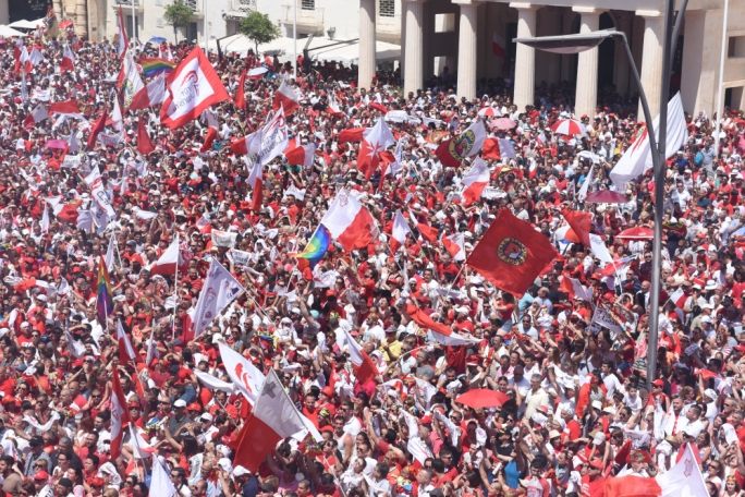 Labour Party supporters and functionaries do not want Muscat to leave