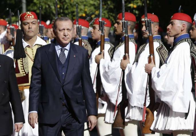 Turkey's President Recep Tayyip Erdogan reviews the Presidential Guard with Greece's President Prokopis Pavlopoulos (Photo: SF Gate)