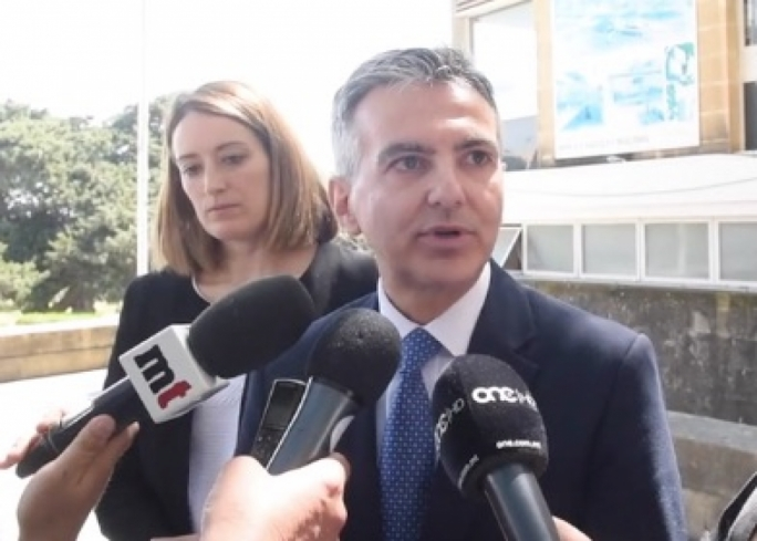 Simon Busuttil was speaking to the press during a visit to the University
