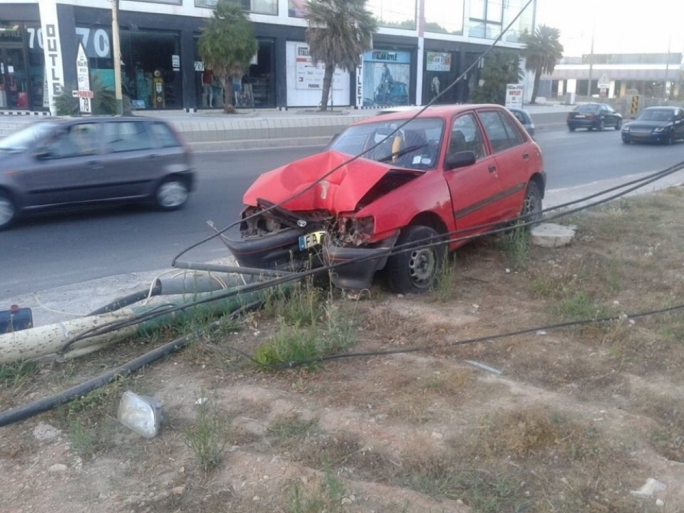 Driver crashes into electricity pole in Lija