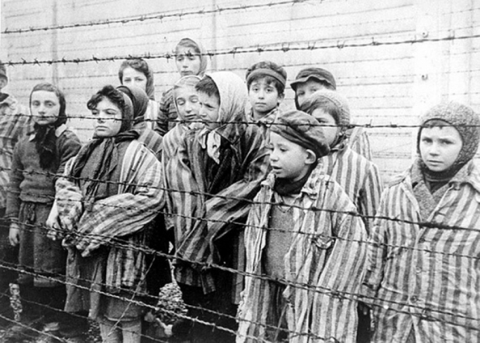Auschwitz survivor Susan Pollock appealed that we must fight any form of hate propaganda not to allow the danger we face if we allow it to grow and prosper