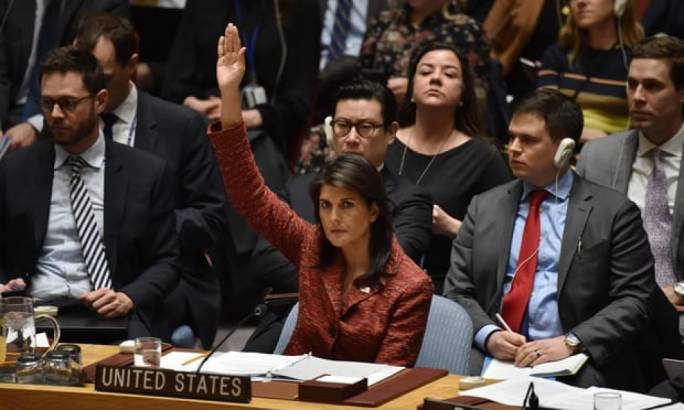 Nikki Haley, the US ambassador to the UN, votes in favor of an investigation into the use of weapons in Syria. (Photo: The Guardian)