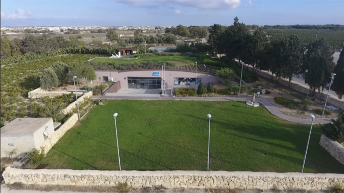 The timber kiosk and an outside seating area is being proposed on landscaped grounds in front of the San Frangisk Animal hospital in Attard