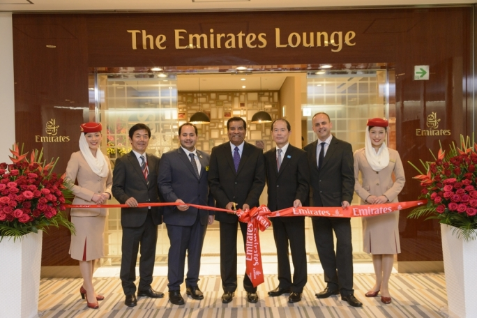 Official opening of the Emirates lounge in Narita airport. From left: Hiroshi Yamasaki, Airport Services Manager of Emirates in Japan, Mutaz Alfaheem, Charge d'Affaires, Embassy of the United Arab Emirates in Japan Mohammed Mattar, Divisional Senior Vice President, Emirates Airport Services, Tokuhisa Takano, Senior Vice President, Narita International Airport Corporation Nick Rees, Country Manager, Japan, Emirates