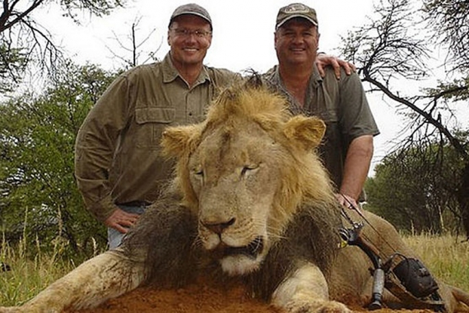 Hunters join big game trophy-hunting club