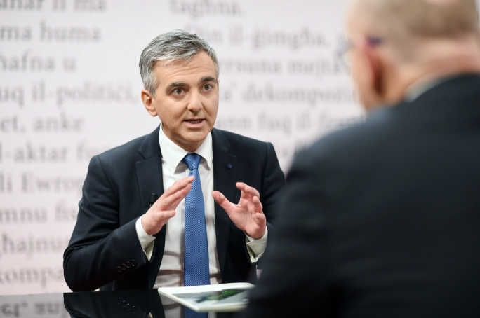 [WATCH] Busuttil insists Muscat 'is corrupt because he takes no action on corruption'