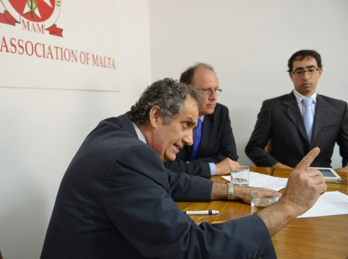 Doctors report 'lively exchange of views' with Mizzi, Fearne
