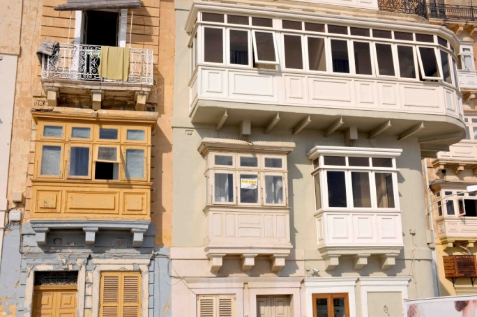 The average cost of Airbnb accommodation in Valletta stands at €55 for one person, €31 per head for a couple, and €22 for each member of a group of six
