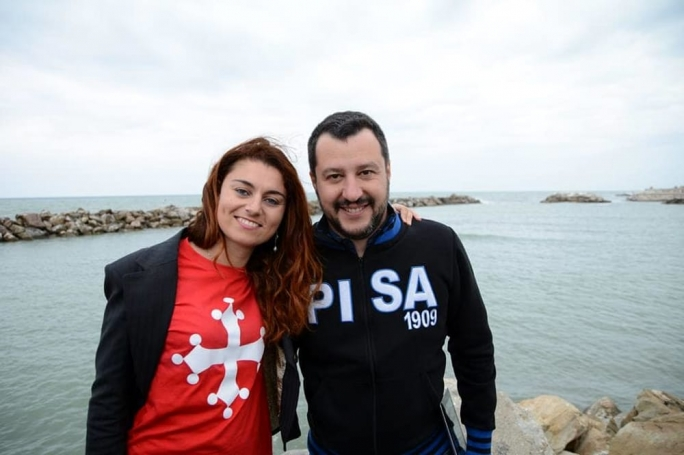 Lega leader Matteo Salvini (right) with Cascina mayor Susanna Ceccardi