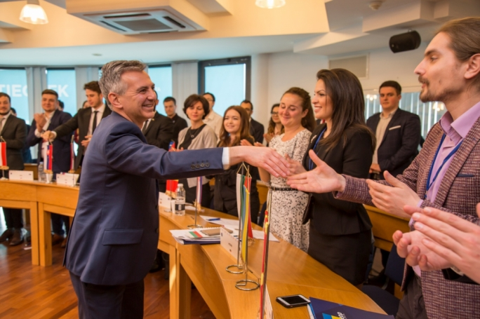 Budget surplus came at the expense of infrastructure, Busuttil warns