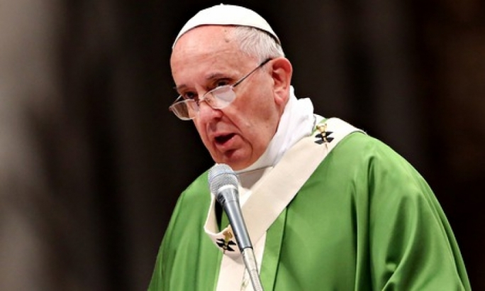Pope exhorts every European parish to host one migrant family