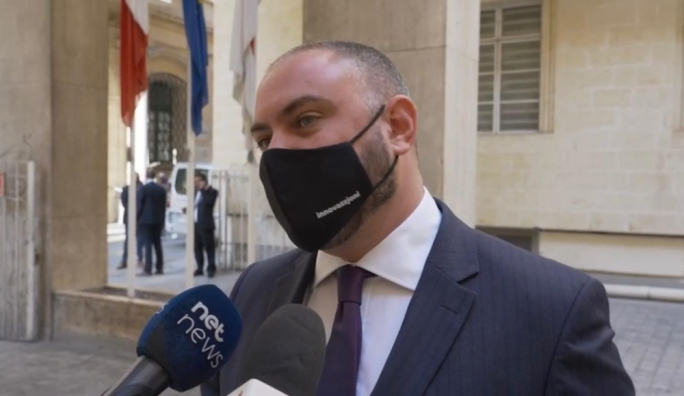 [WATCH] As COVID-19 cases spike, Owen Bonnici says it's 'everybody's duty to pull the same rope'