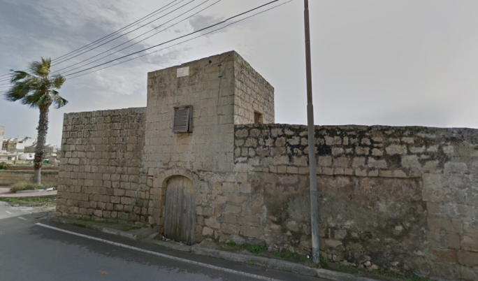 The farmhouse outside Marsaskala near St Thomas Bay