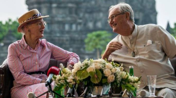 Prince Henrik and Queen Margrethe in Yogyakarta, Indonesia, in 2015 (Photo: BBC)