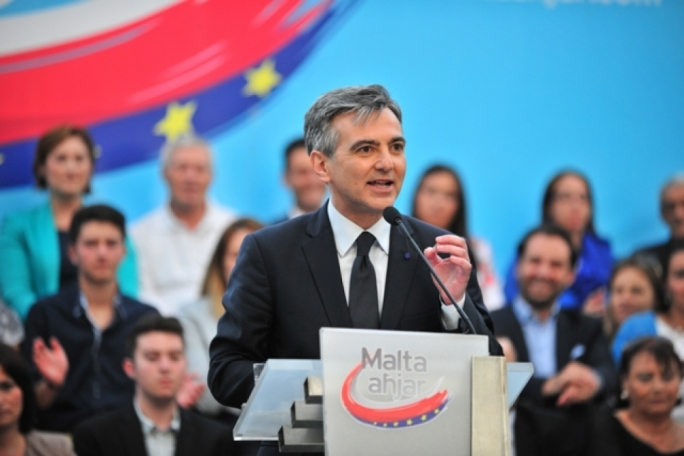 'Wake up and smell the coffee', Busuttil tells Muscat