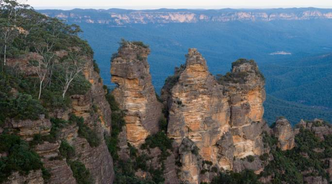 Go on an adventure camping in the Blue Mountains