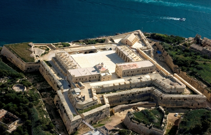 MIDI plc will be entering into an agreement binding it to ensure public access to Fort Manoel is safeguarded