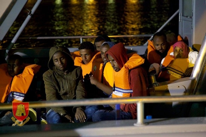 Armed Forces rescues 90 migrants at sea