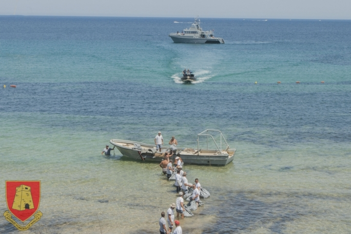 The Armed Forces of Malta were engaged by Transport Malta to help clean up Imgiebah Bay