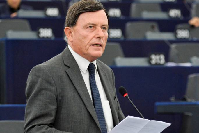 [WATCH] Alfred Sant sounds warning on EU tax harmonisation through the backdoor