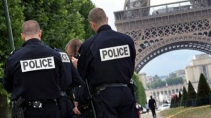 Paris police officers to be DNA tested in gang-rape case