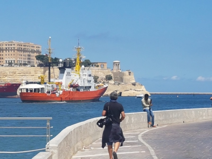 The MV Aquarius leaving port on Thursday afternoon (Photo: Massimo Costa/MediaToday)