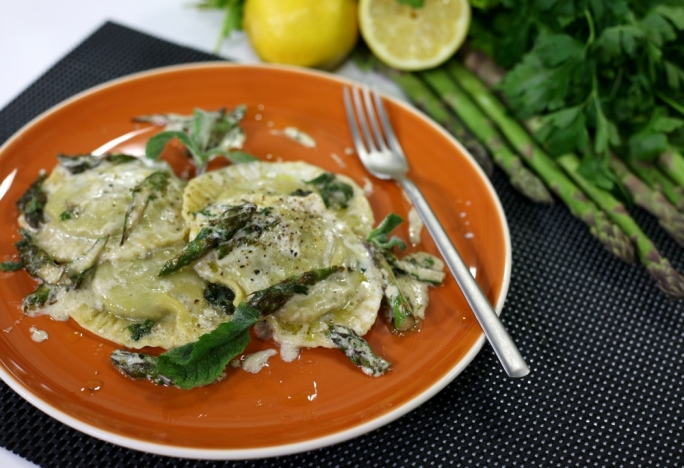 [WATCH] Asparagus and mint ravioli tossed in mascarpone
