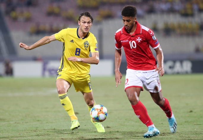 Sweden ease past Malta in a match characterised by individual mistakes