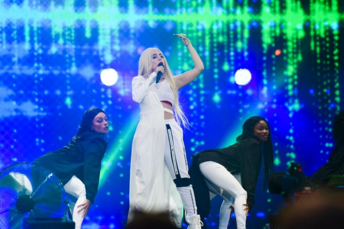 Ava Max entertaining the crowd at Isle of MTV Malta 2019