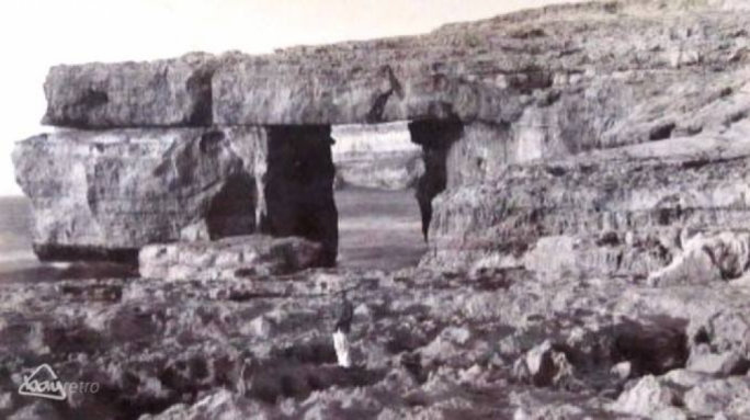 The Azure Window in the 1880s • Photo: Bay Retro