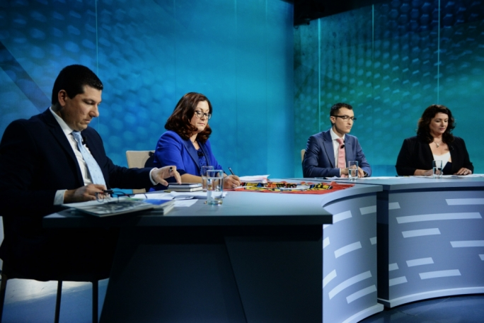 The two main political parties faced off in the first of a series of televised electoral debates