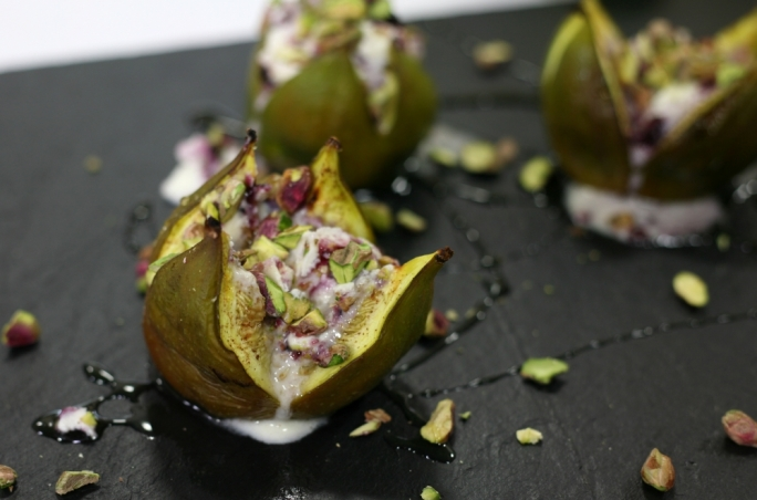 [WATCH] Sticky figs with mascarpone and blackcurrant