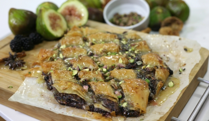 [WATCH] Dried fig and pistachio baklava