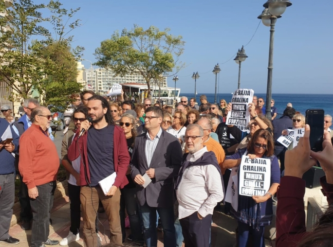 [WATCH] Residents up in arms over proposed Balluta Bay ferry landing