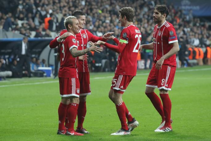 Bayern Munich are through to the quarter-finals of the UEFA Champions League following an 8-1 aggregate score