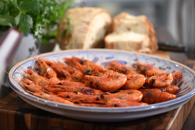 [WATCH] Grilled brandy prawns