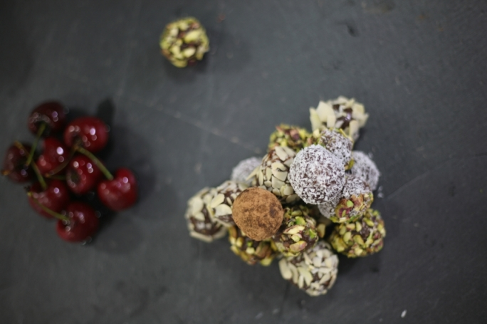 [WATCH] Brazilian chocolate truffles with boozy cherries