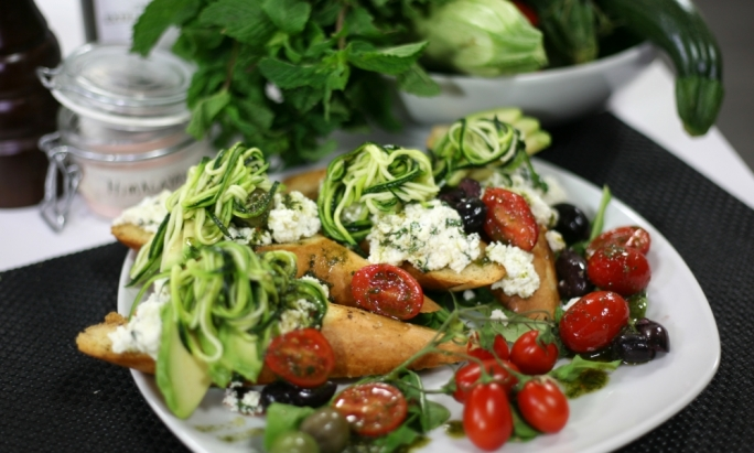 [WATCH] Zucchini and ricotta bruschetta