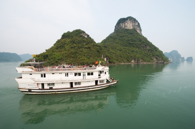 From Cat Ba you can easily book yourself one of the different boat trips and overnight boat trips on offer