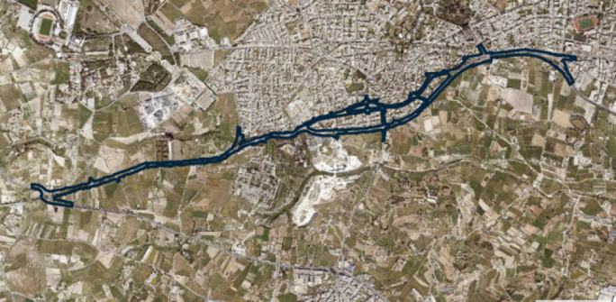 The blue line represents the extent of the Central Link project that connects the Saqqajja Hill roundabout (left) to the Mrieħel bypass (right). The road passes through Attard.