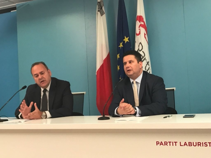 'Desperate Simon Busuttil will do anything for power' - Labour