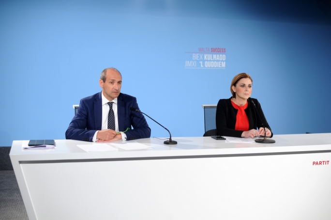 Labour accuses Simon Busuttil of being 'isolated' within his own party