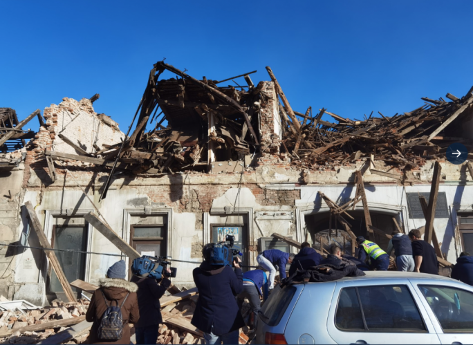 Strong earthquake hits Croatia, destroys town