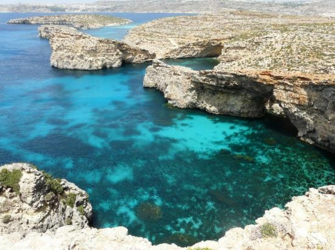 Man dies two days after being rescued at sea in Comino