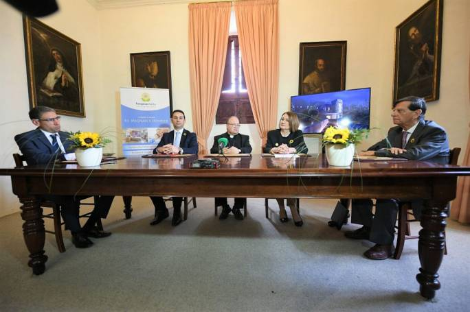 Signing of agreement between the Archdiocese of Malta and the Malta Hospice Movement for the establishment of St Michael's Hospice