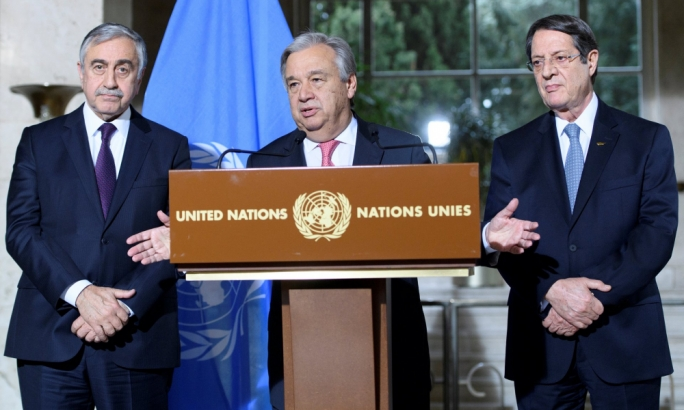 António Guterres, centre, the UN secretary general with Mustafa Akıncı, left, the president of Turkish North Cyprus, and Nicos Anastasiades, the Greek Cypriots' leader (Photo: Reuters)