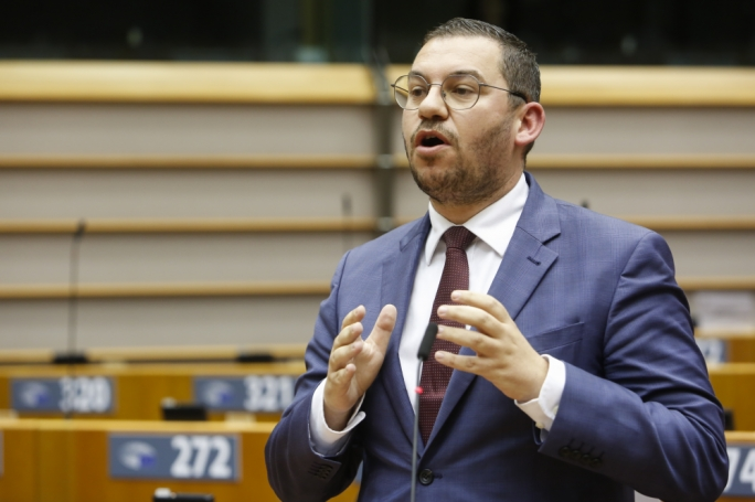 Engerer breaks ranks to support MEP vote condemning Polish abortion ban